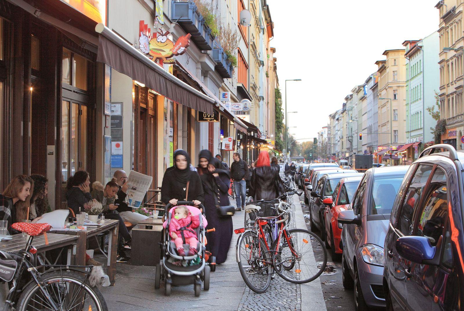 EINMALIGE VERWENDUNG Oranienstrasse/ Cafe/ Multi Kulti/ Berlin