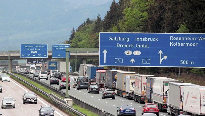 A8 in Richtung Grenze zu Österreich