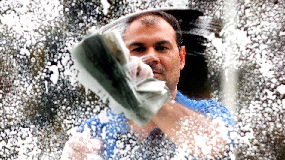 Reinigungskraft: Fast sieben Millionen Menschen arbeiten als Minijobber