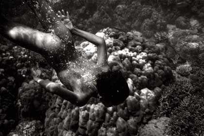 Abgetaucht: Mit ihren Superaugen können die Moken unter Wasser sehr gut sehen
