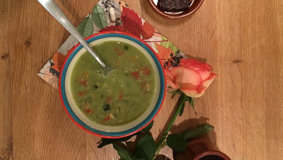 Quinoa-Tütensuppe und ein Schokoriegel: Menü des 4. Tages der Scheinfasten-Diät