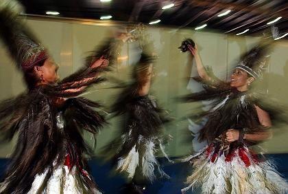 Tänzerinnen am Rande der Klimatagung: Bis zum Mai in Bonn