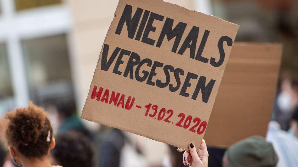 Plakat bei einer Gedenkveranstaltung in Berlin