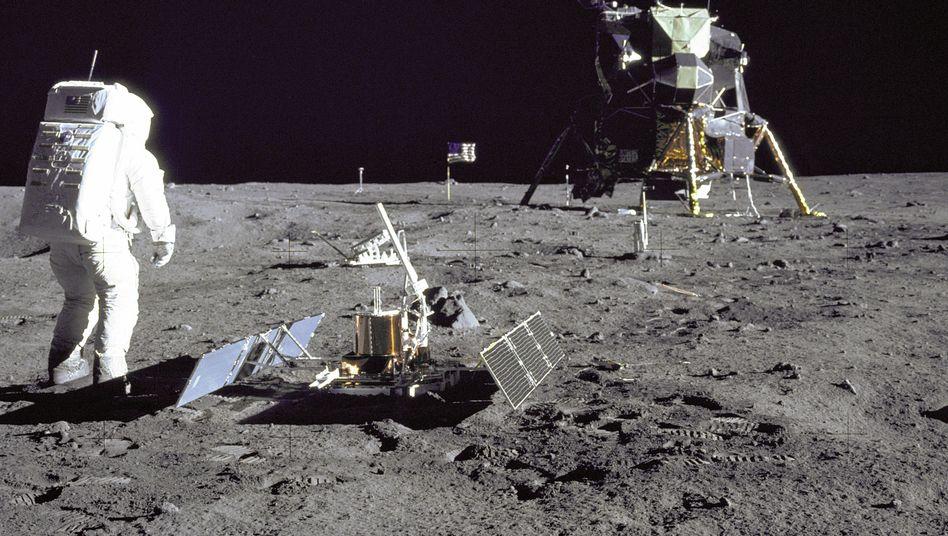 """Aufnahme der """"Apollo 11""""-Mission: Verschenkte Neil Armstrong ein Stück Mondgestein?"""