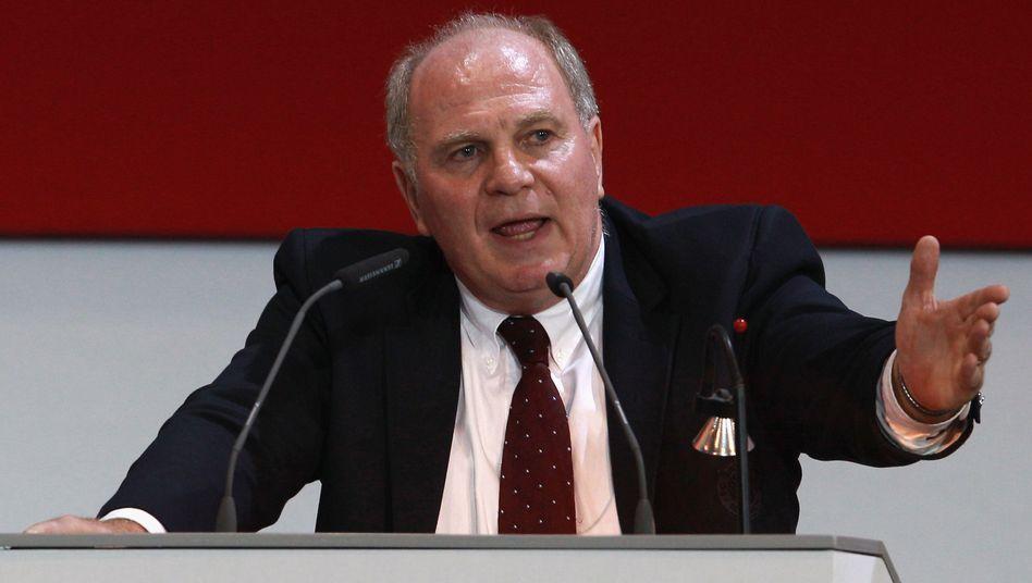 Bayern-Präsident Hoeneß: Kritik an Blatter und Zwanziger