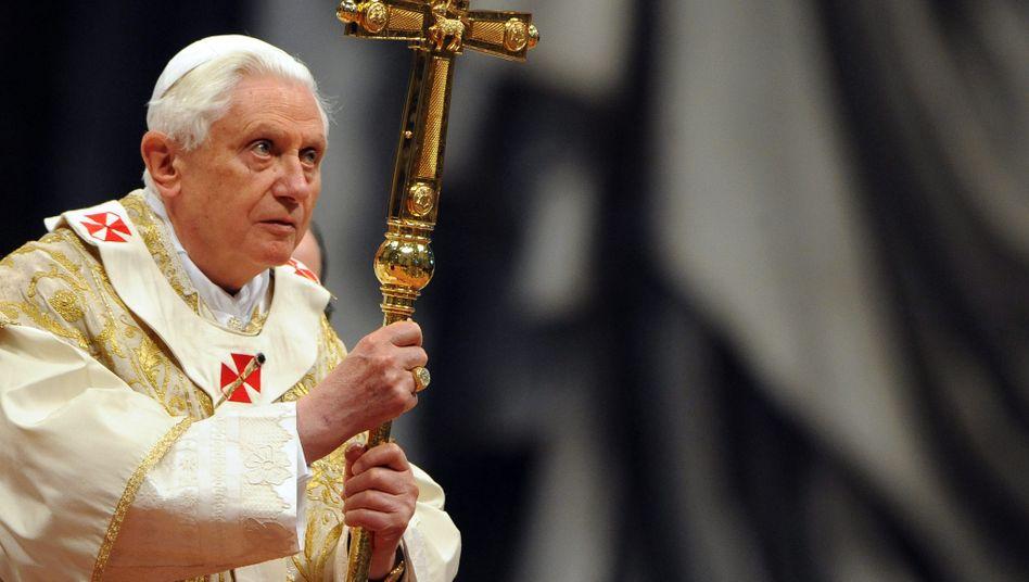 Papst Benedikt XVI.: Vorwurf der Untätigkeit