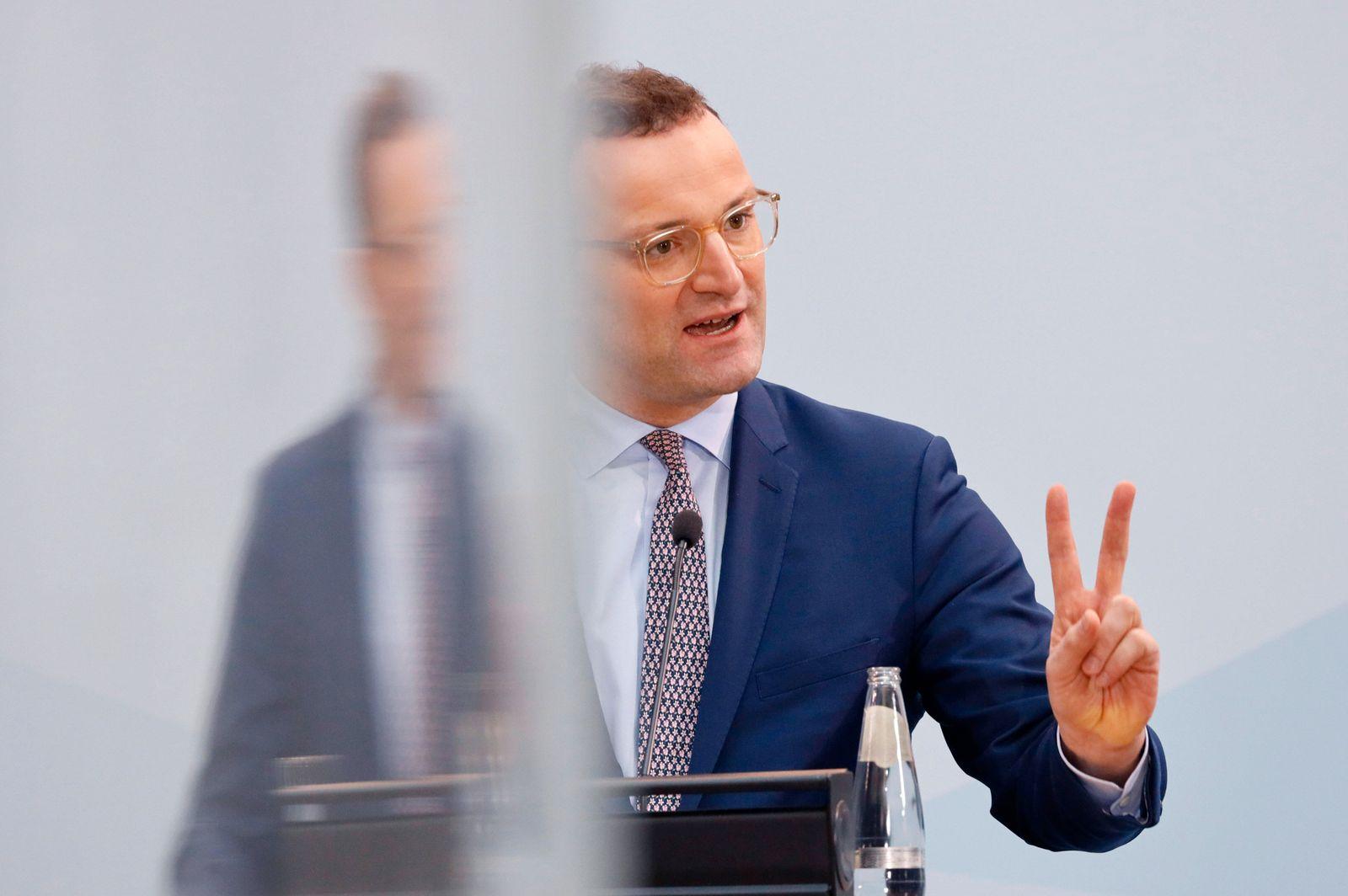 Jens Spahn bei einer Pressekonferenz zur Corona-Impfverordnung, in der eine entsprechende Impfreihenfolge festgelegt wi
