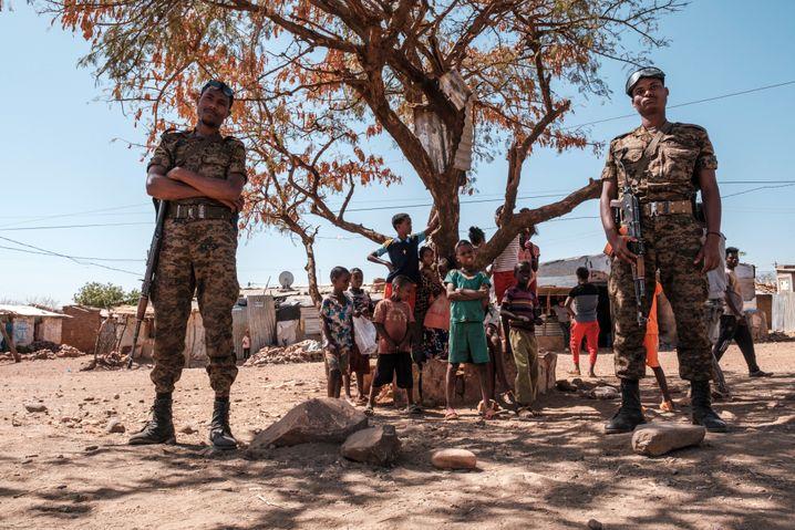Soldaten der äthiopischen Armee in Tigray: Ethnisch motivierte Angriffe nahmen zu