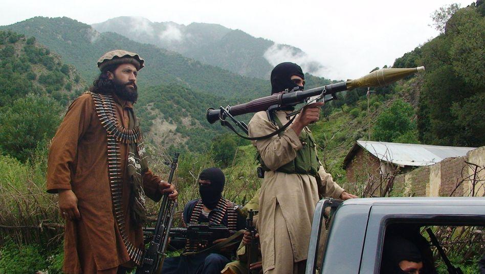 Pakistanische Taliban (Archivbild): Rivalitäten sollen vergessen werden