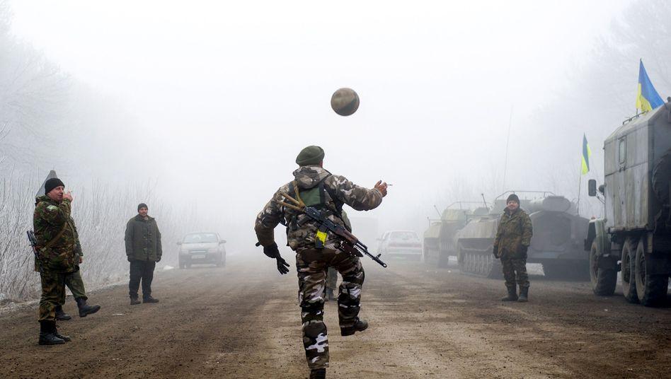 "Fragile Waffenruhe in der Ukraine: ""Die Welt hält den Atem an"""