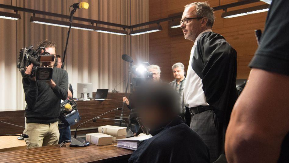 Angeklagte Hussein K. im Landgericht Freiburg