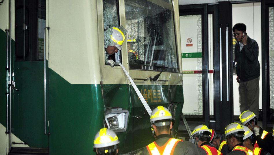 Beschädigte U-Bahn in Seoul: Auffahrunfall an Station im Osten der südkoreanischen Hauptstadt