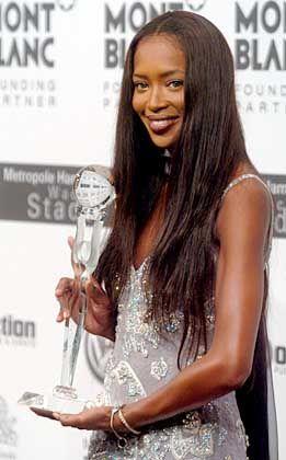 Model Naomi Campbell: Strahlende Preisträgerin im bezaubernden Kleid