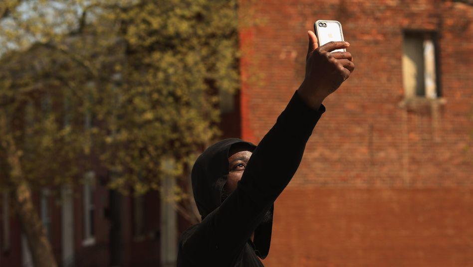 Polizeigewalt gegen Schwarze in USA: Sie wehren sich - mit der Kamera