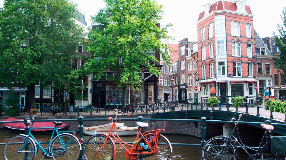 Amsterdam: Radler werden als Verkehrsteilnehmer ernst genommen