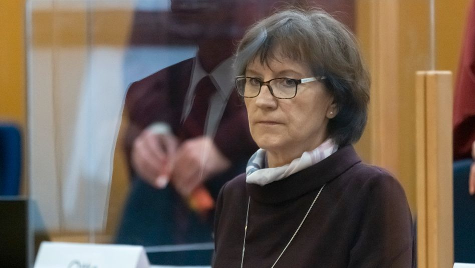 Irmgard Braun-Lübcke sagt am 30. Prozesstag als Zeugin aus: »So ein fieser, perfider Mord«
