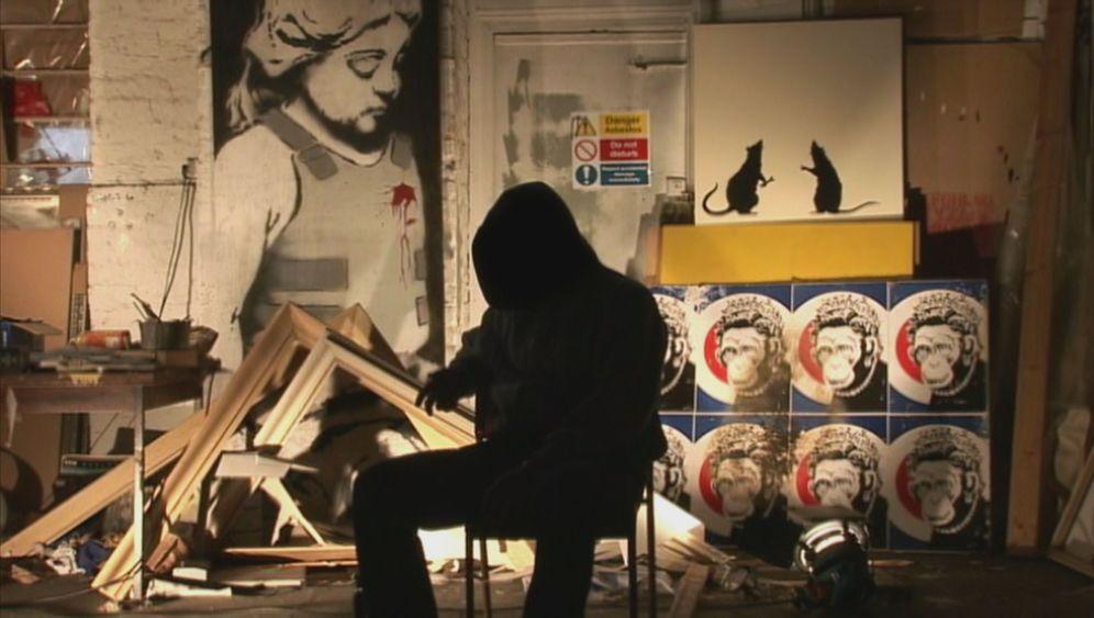 """Exit Through The Gift Shop"": Was kaufen wir Banksy ab?"