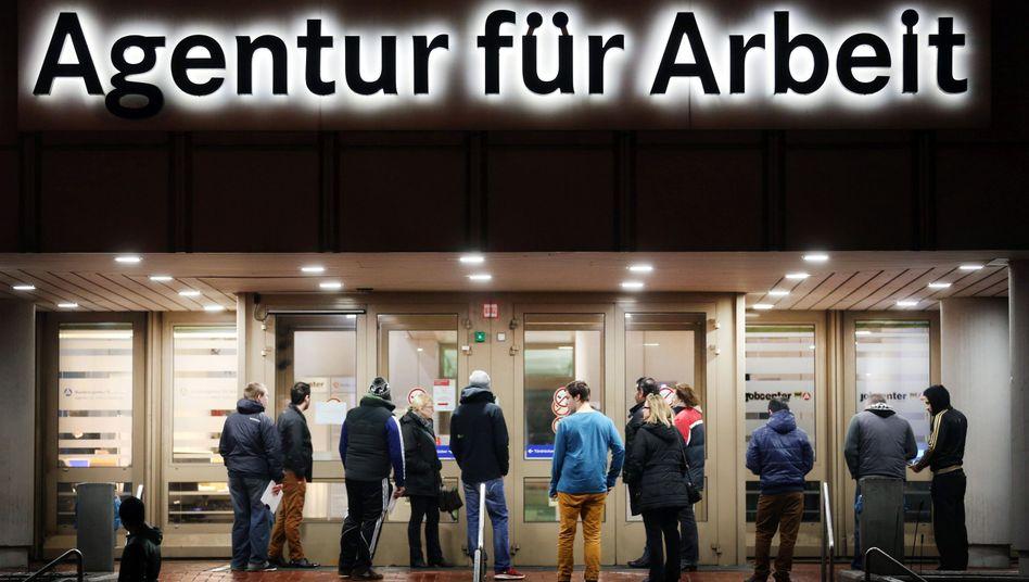 Arbeitsagentur (in Duisburg): Ab in die Bürgerarbeit - und dann?
