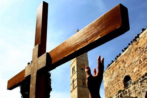 Christliches Kreuz in Jerusalem (Archivbild von 2006): Weihnachten eigentlich im Juni feiern?