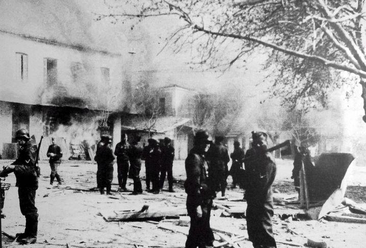 Am 10. Juni 1944 begingen die Deutschen an der Bevölkerung des griechischen Dorfes Distomo ein Massaker, 218 Menschen starben, unter ihnen Dutzende Kinder.