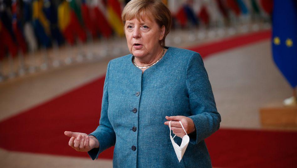 Kanzlerin Merkel beim Gipfel in Brüssel: Lange Liste mit Problemthemen
