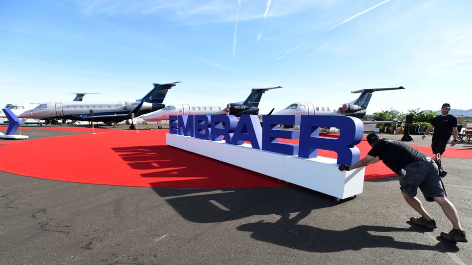 Kein roter Teppich mehr für Embraer: Der US-Flugzeughersteller Boeing zieht sich von der Übernahme zurück