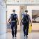 Darf die Polizei Reisende am Flughafen zum Corona-Test zwingen?