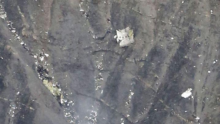 Absturz in Frankreich: Fotos zeigen Trümmer des Airbus