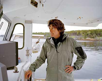 Linda Greenlaw auf der Brücke ihres Kutters
