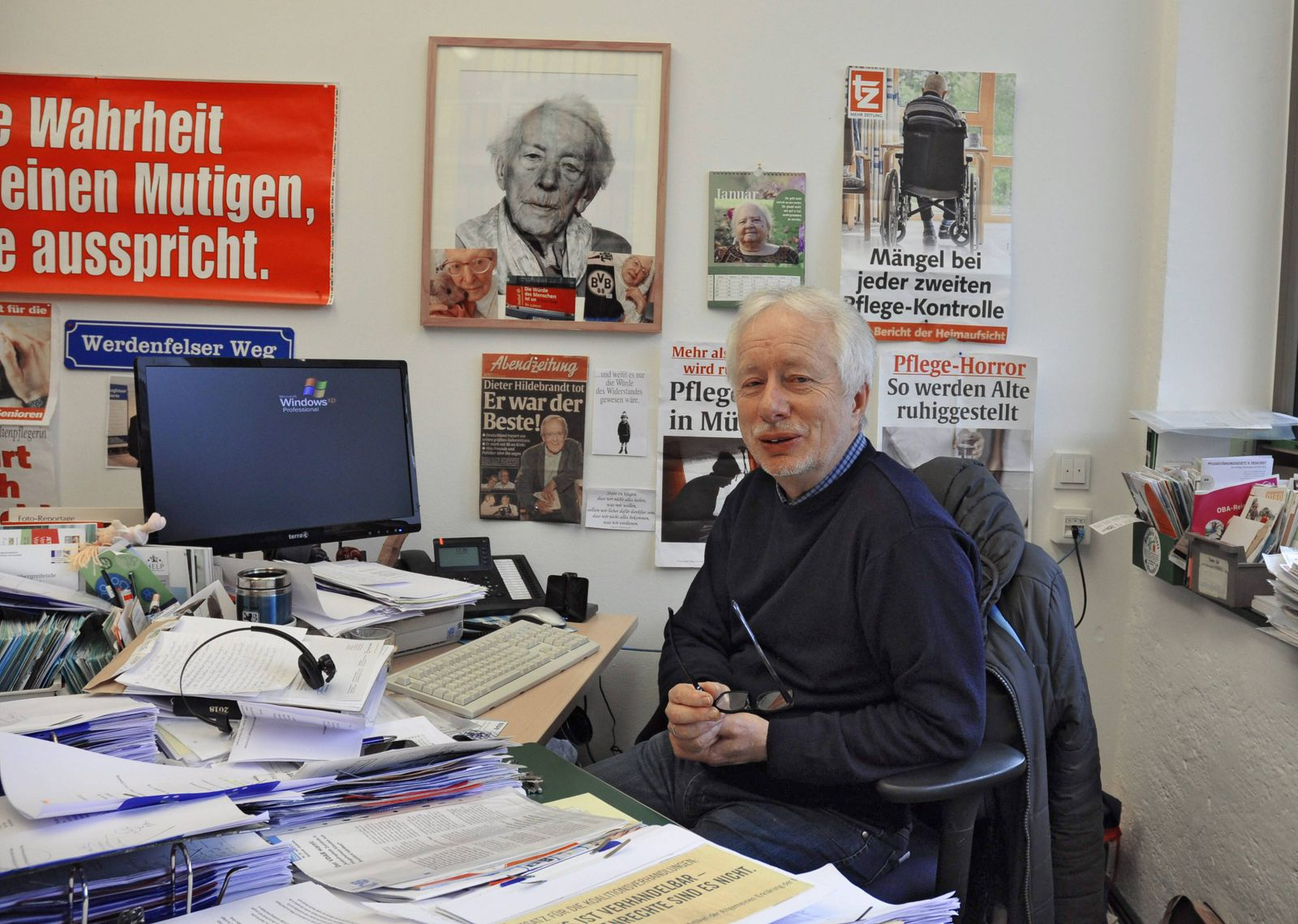 Der Sozialpaedagoge und Autor Claus Fussek in seinem Buero in Muenchen am 09 01 2018 Der prominente