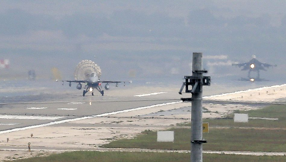 Seit einer Woche in der Offensive: Türkische Luftwaffe auf der Incirlik Air Base in Adana