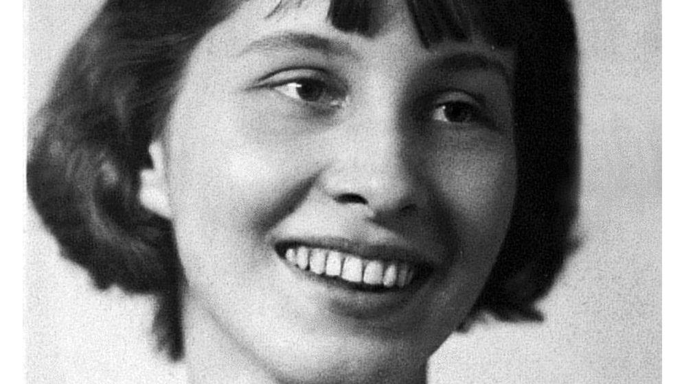 """Stauffenbergs Witwe: """"Heldin im Hintergrund"""""""