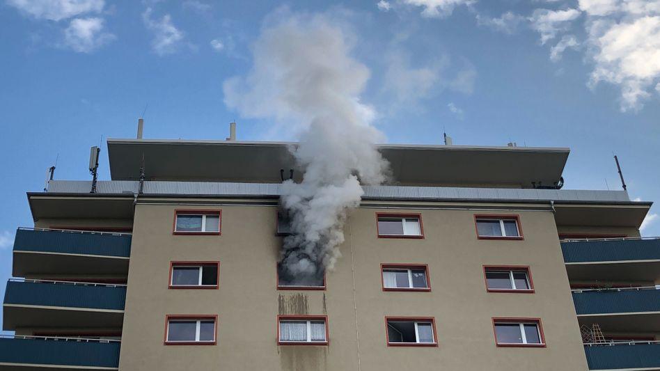 In einem Mehrfamilienhaus in Leipzig hat es gebrannt. Das Feuer ist inzwischen gelöscht