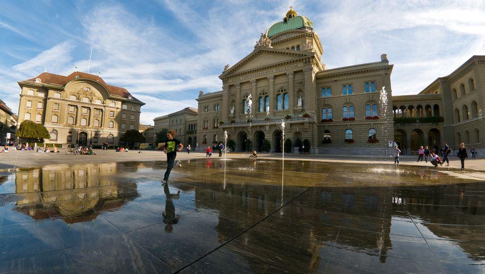 """Schweizer Bundeshaus in Bern: Ankauf von Steuerdaten-CD """"eines Rechtsstaates unwürdig"""""""