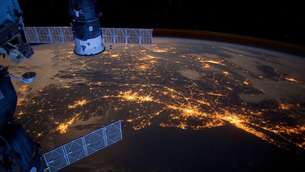 15 Jahre ISS: Spektakuläre Fotos, große Gesten