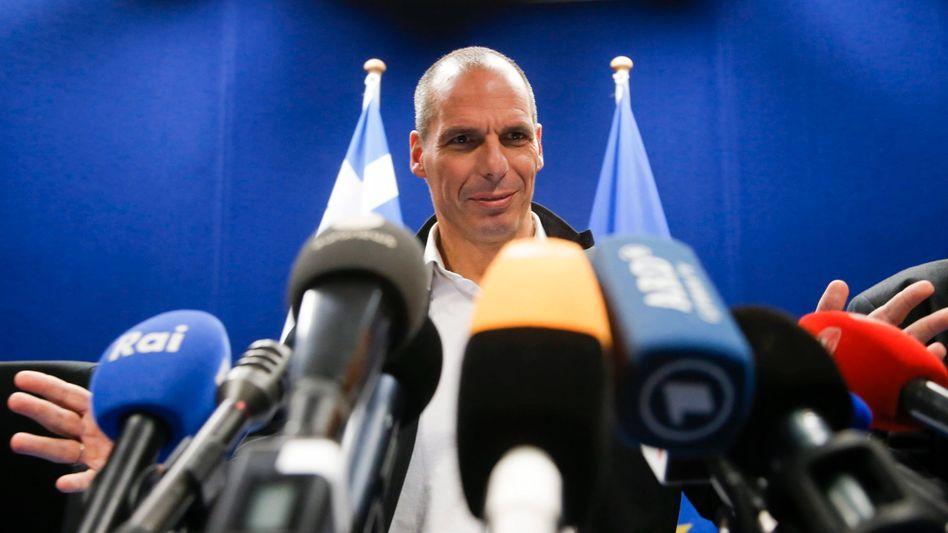 """Griechischer Finanzminister Varoufakis (r.): """"Kleiner Schritt in eine neue Richtung"""""""