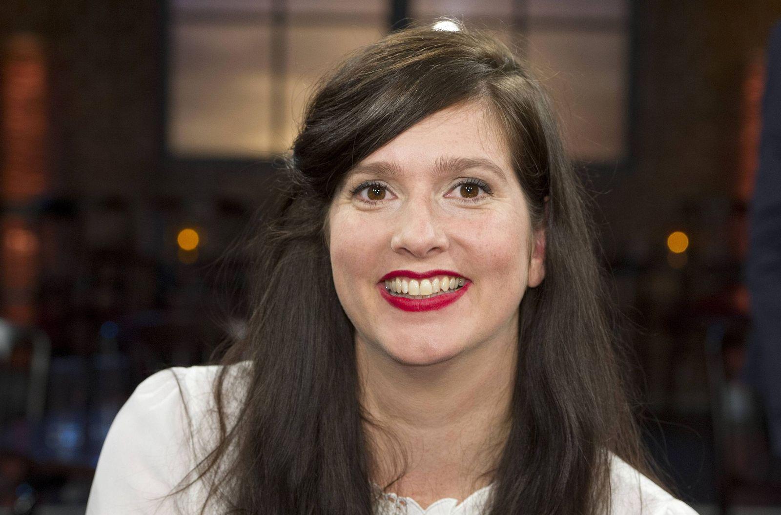 EINMALIGE VERWENDUNG Karen Köhler