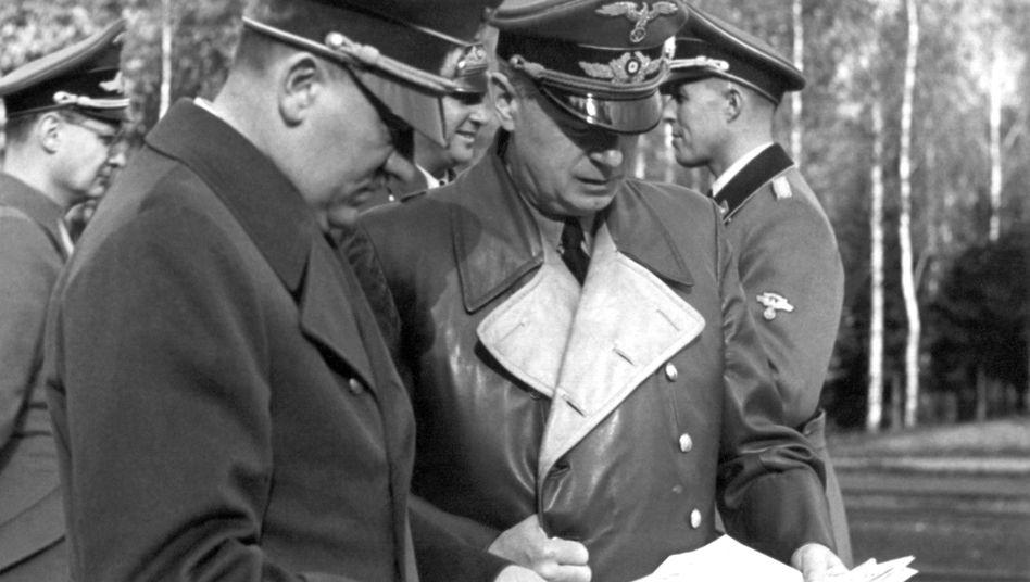 Hitler und Reichsaußenminister von Ribbentrop: Bürokratisierte Grausamkeit