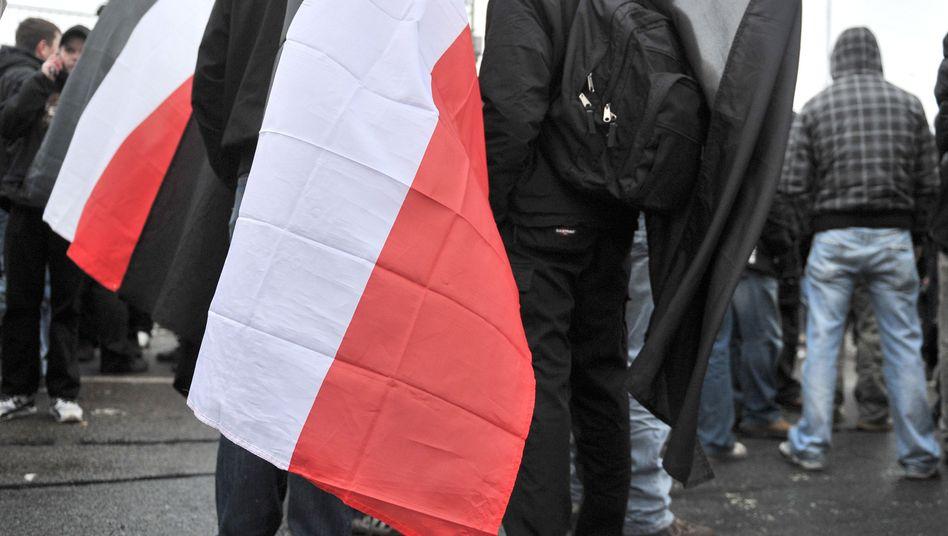 """Neonazis in Dresden: BKA schaltet """"Widerstand-Radio"""" ab"""