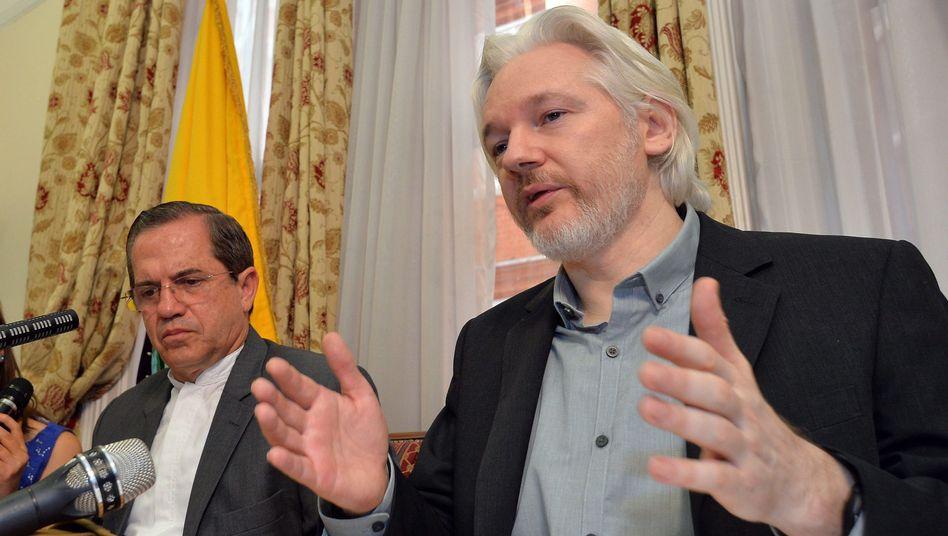 Auftritt in London: Assanges verzweifelte Offensive