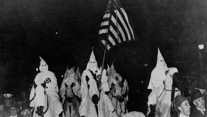 Gründung des Ku-Klux-Klans: Mordlüstern unter Hasskappen
