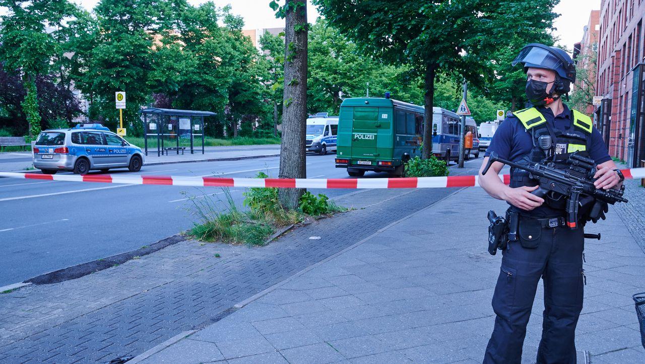 Angriff auf Corona-Helfer in Berlin-Kreuzberg: Bundeswehrsoldat mit Handschellen an Heizungsrohr gefesselt