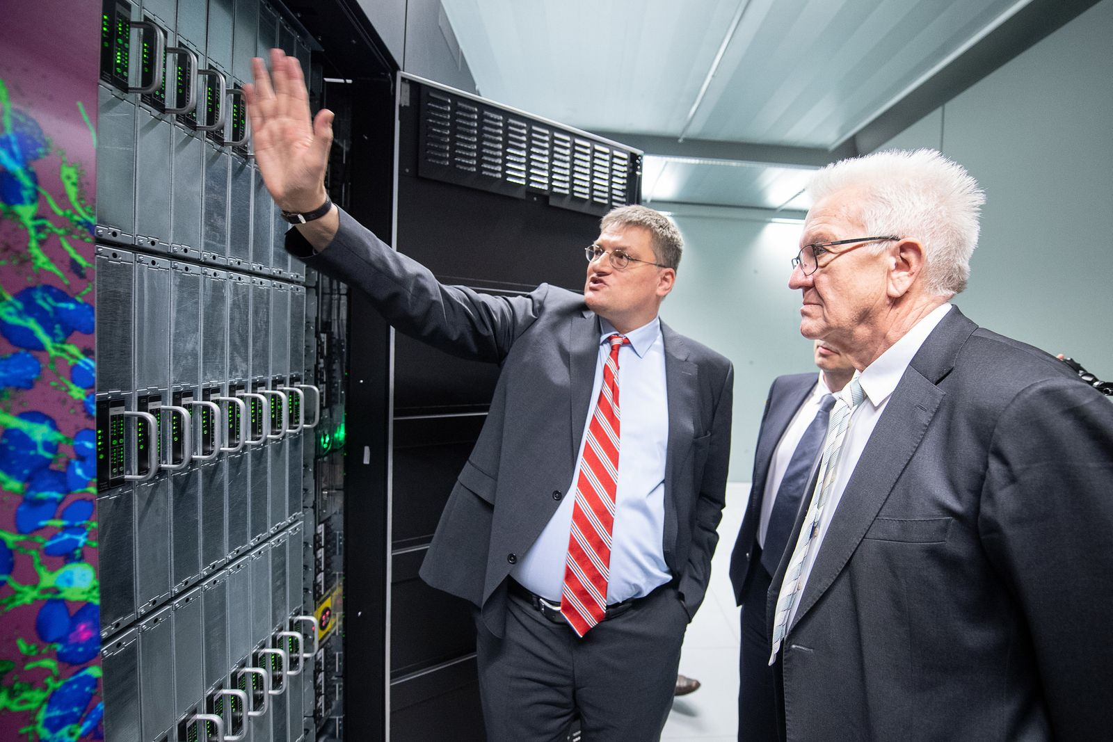 "Start des neuen Supercomputers ""Hawk"""