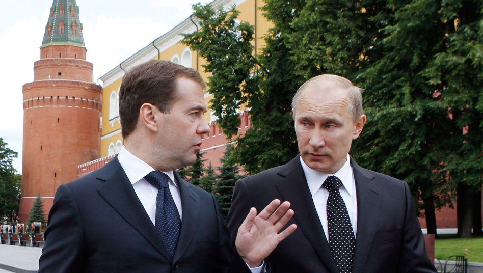 Politiker Medwedew, Putin: Die Falken haben das Sagen in Moskau