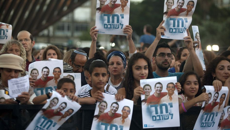 Demo in Tel Aviv: #BringOurBoysHome forderten Zehntausende am Sonntag