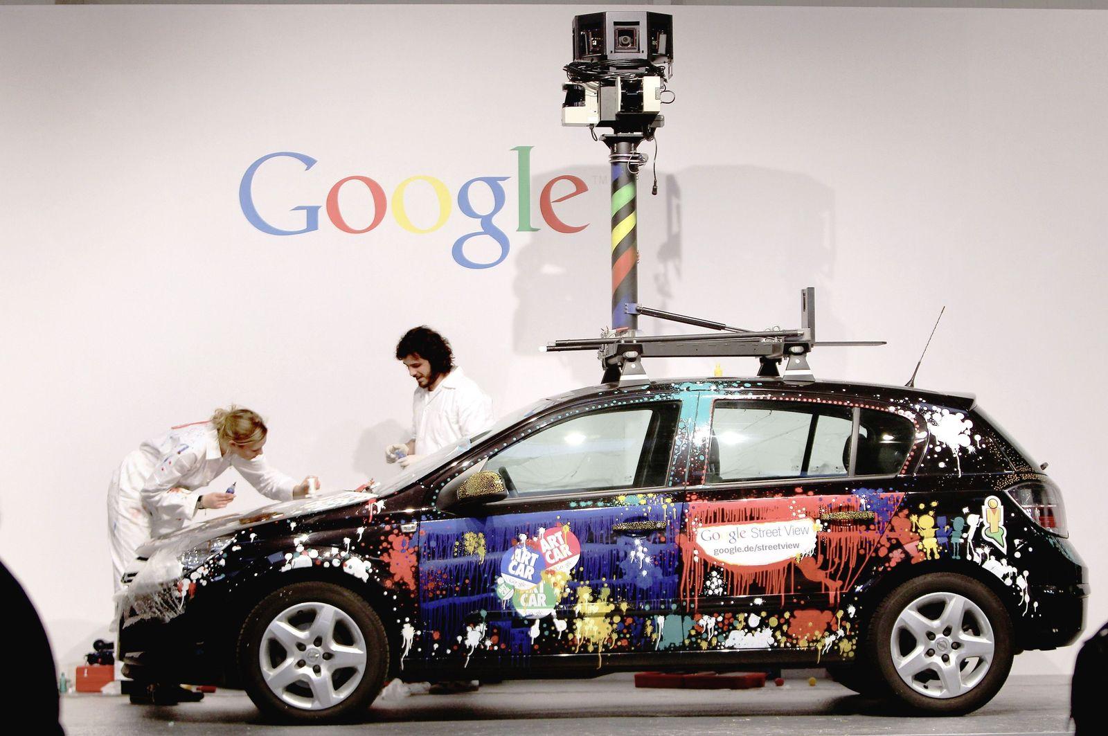 Google Street View car/ Künstler