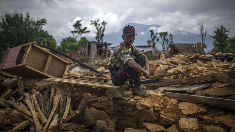 Nach Erdbeben in Nepal: 130.000 Häuser zerstört - kaum noch Hoffnung aufÜberlebende