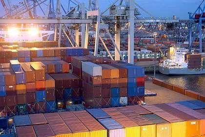 Container im Hamburger Hafen: Gegenwind von der Weltwirtschaft
