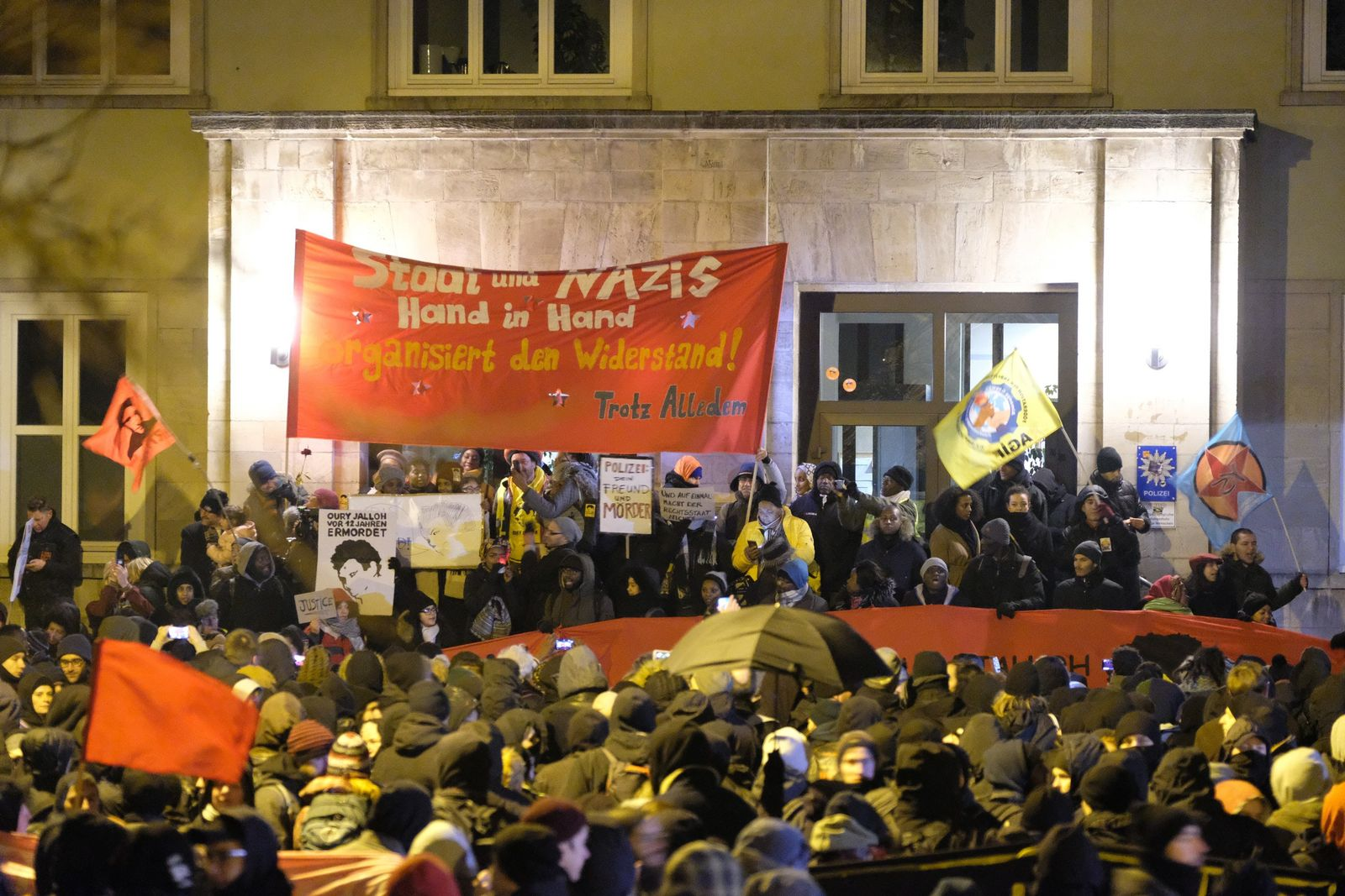 Demonstration in Gedenken an Oury Jalloh - 13. Todestag