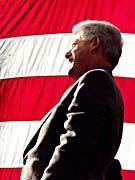 Ex-Präsident Clinton: Treffen mit dem Autokraten, um der Pipeline den Weg zu ebnen